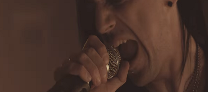 Hell in the Club – Nuovo Album a Settembre. Primo Video on Line: 'We Are On Fire'