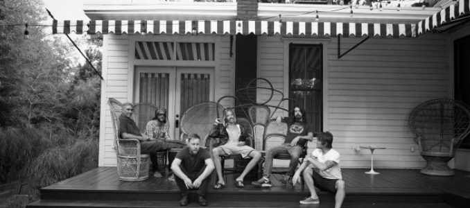 FOO FIGHTERS – Il nuovo video The Sky Is A Neighborhood