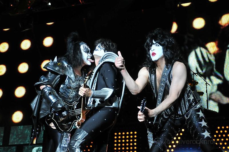 Kiss-33.JPG