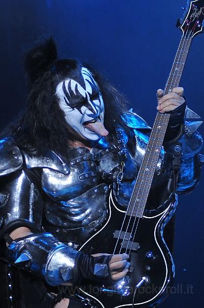 Kiss-47.JPG