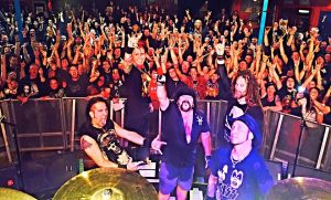 hellyeah band live