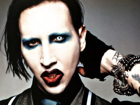 Marilyn Manson: gli crolla addosso la scenografia dello show. Ricoverato in ospedale a New York
