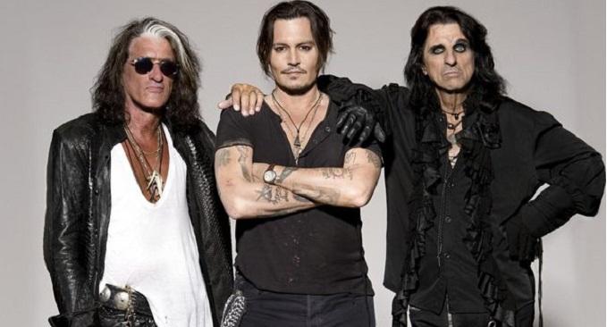 "HOLLYWOOD VAMPIRES, ALICE COOPER difende Johnny Depp: ""è un bravo chitarrista"""
