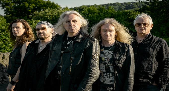 Saxon: tracklist e copertina di 'Thunderbolt'