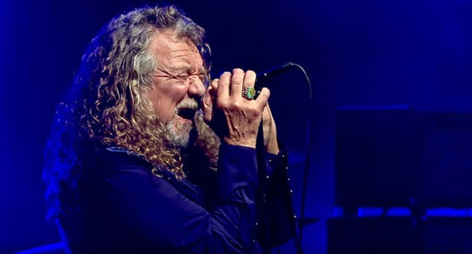 "ROBERT PLANT esegue ""Immigrant Song"" dei LED ZEPPELIN dopo 23 anni. Video"