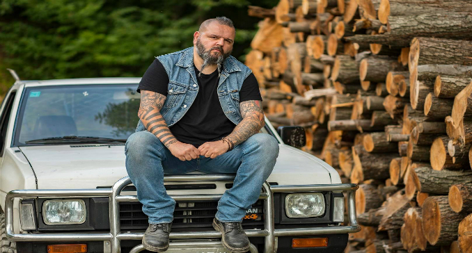 Trevor and the Wolves - Video on Line: 'Burn at Sunrise'