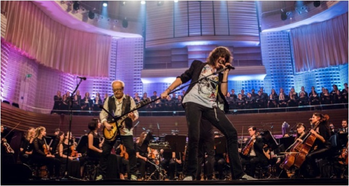 Foreigner - Il preascolto di 'Foreigner With The 21st Century Symphony Orchestra & Chorus'