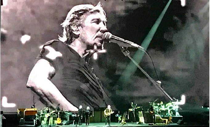 Roger Waters - Us + Them Tour, Unipol Arena, Bologna - 22 Aprile 2018