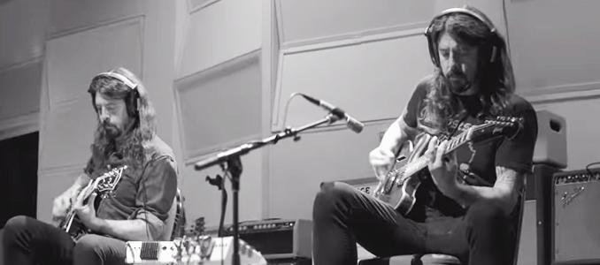 FOO FIGHTERS: Ascolta Play, la canzone di 25 minuti di Dave Grohl
