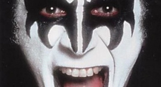 Gene Simmons - I Was Made For Lovin' You? La Odio!!!