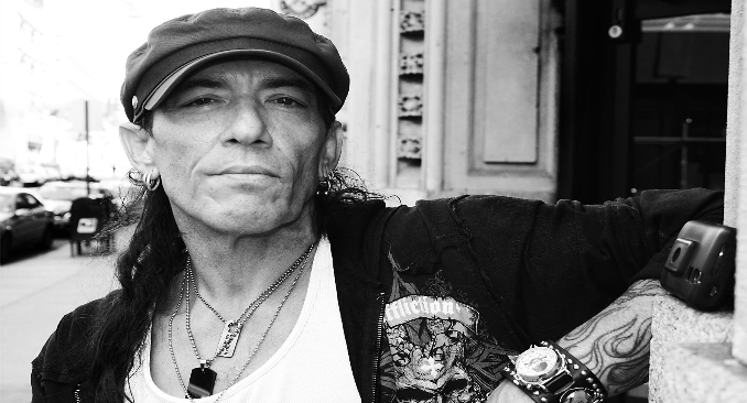 Stephen Pearcy: l'audio del nuovo singolo 'U Only Live Twice'