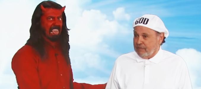 FOO FIGHTERS: Dave Grohl torna ad impersonare il diavolo in uno sketch con Billy Crystal, guarda il video!