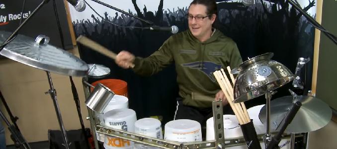 Mike Mangini (Dream Theater) suona una batteria di bidoni e non è quella usata in St. Anger. Video!