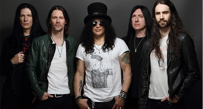 SLASH feat. MYLES KENNEDY and the CONSPIRATORS - Guarda il video di 'Boulevard Of Broken Hearts'