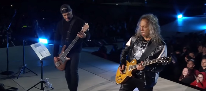 "Metallica: il video della cover di ""Ma Gueule"" di JOHNNY HALLYDAY live da Parigi"