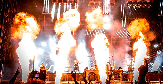 RAMMSTEIN: la scaletta della prima data del tour europeo. I video