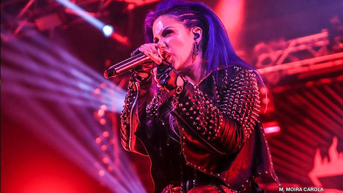 Alissa White-Gluz, auguri di buon compleanno alla cantante degli Arch Enemy