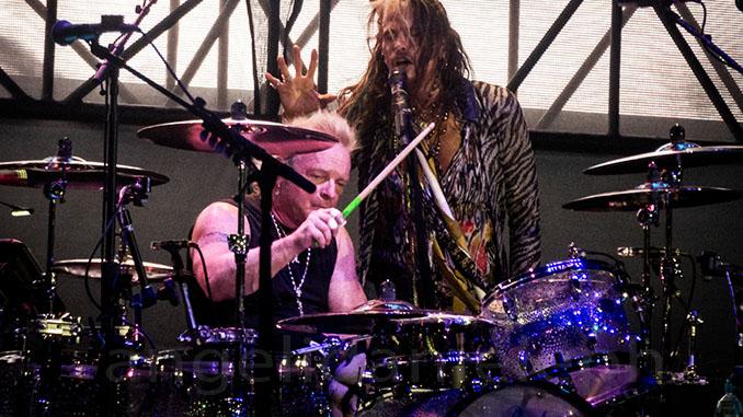 Auguri al batterista degli Aerosmith Joey Kramer! Compie oggi 69 anni