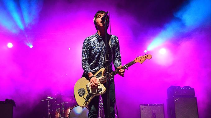 Johnny Marr live a Cesena, il chitarrista degli The Smiths brilla di luce propria. Tutte le foto