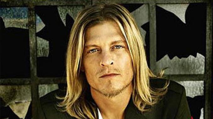 Buon compleanno a Wes Scantlin, leader dei Puddle of Mudd. 46 anni tra Rock ed eccessi