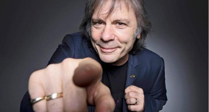 Auguri a Bruce Dickinson, cantante degli Iron Maiden. Oggi compie 61 anni!!!
