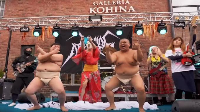 Campionato del mondo di uncinetto Heavy Metal! I video dell'incredibile competizione finlandese...