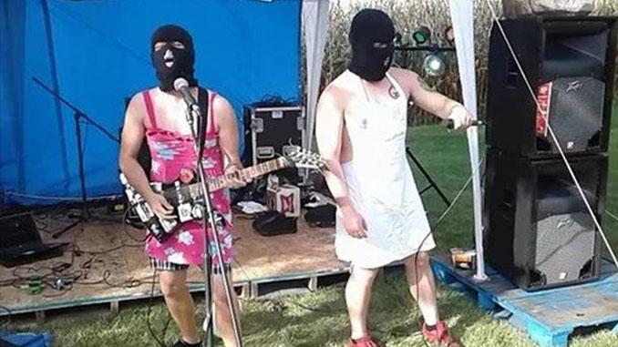 """Il killer della strage dell'Ohio cantava in una band porngrind, i """"Menstrual Munchies"""". Le accuse alla band e ai testi contro le donne"""