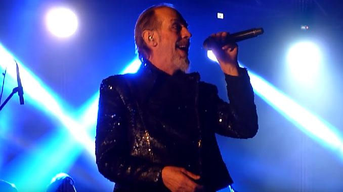 Peter Murphy, il cantante dei Bauhaus, ha avuto un infarto