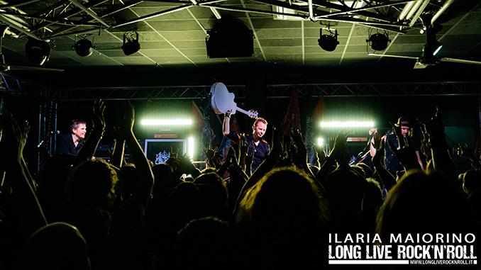 Eclipse e Junkyard Drive: le foto del concerto al Legend Club di Milano