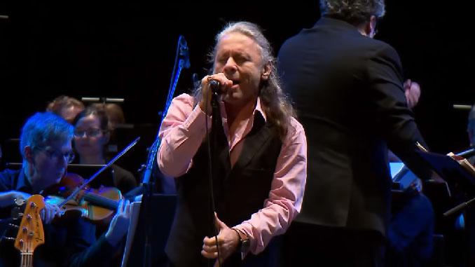 Bruce Dickinson: canta alcune canzoni dei Deep Purple con un'orchestra in memoria di Jon Lord