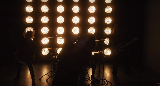 Black Swan - La super band con Robin McAuley, Reb Beach, Jeff Pilson, Matt Starr lancia il video di 'Shake The World' dal debut album a febbraio