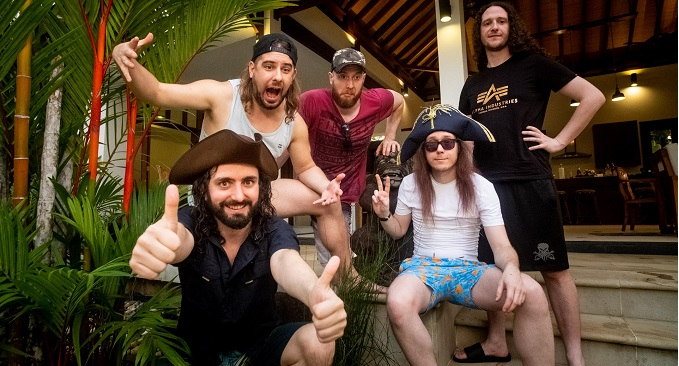 Alestorm - In studio per registrare il nuovo lavoro, 'Curse of the Crystal Coconut', previsto per l'estate 2020