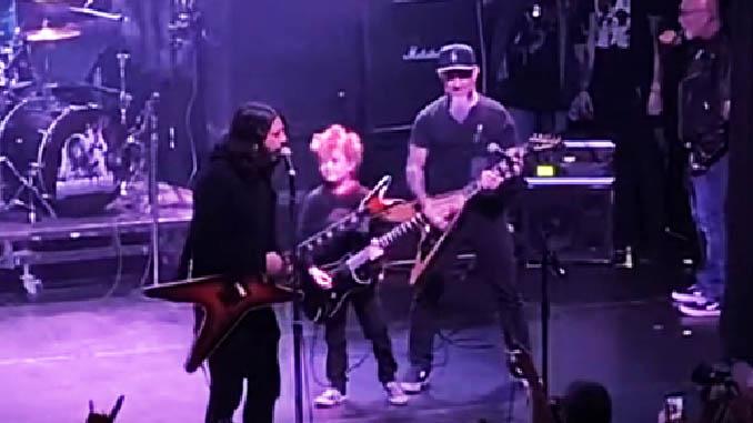 DIMEBASH 2020: Dave Grohl suona col figlio di Scott Ian (Anthrax) per commemorare Dimebag dei Pantera