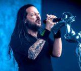 Auguri a JONATHAN DAVIS dei Korn. Oggi il frontman dei KORN compie 49 anni